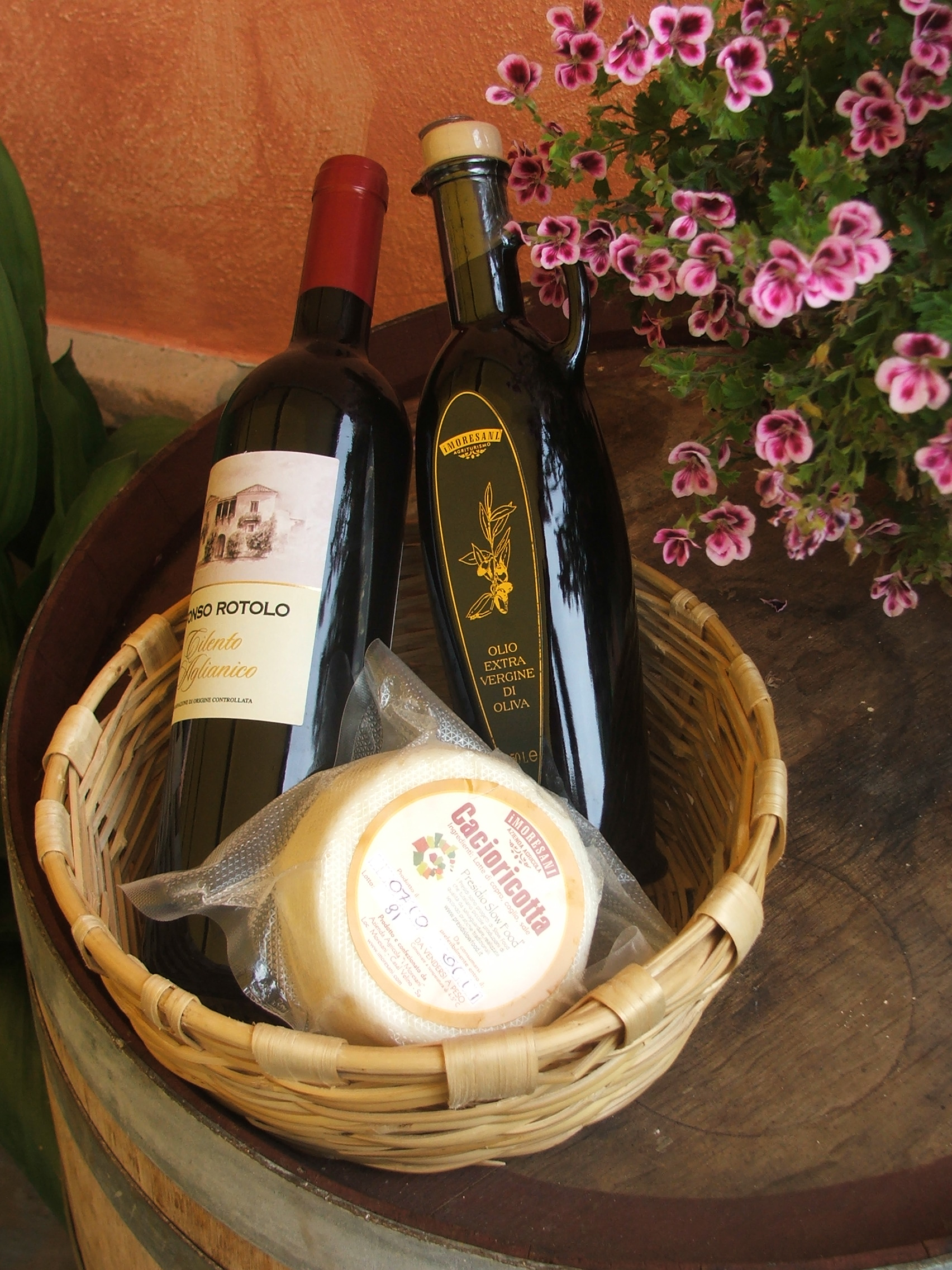 Delicious local cheeses and wine will feature on your trip to I Moresani
