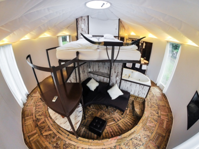 Homoki Yurt Luxury split levels (2)