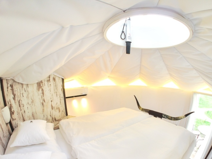 Homoki Yurt Superior gallery with double bed